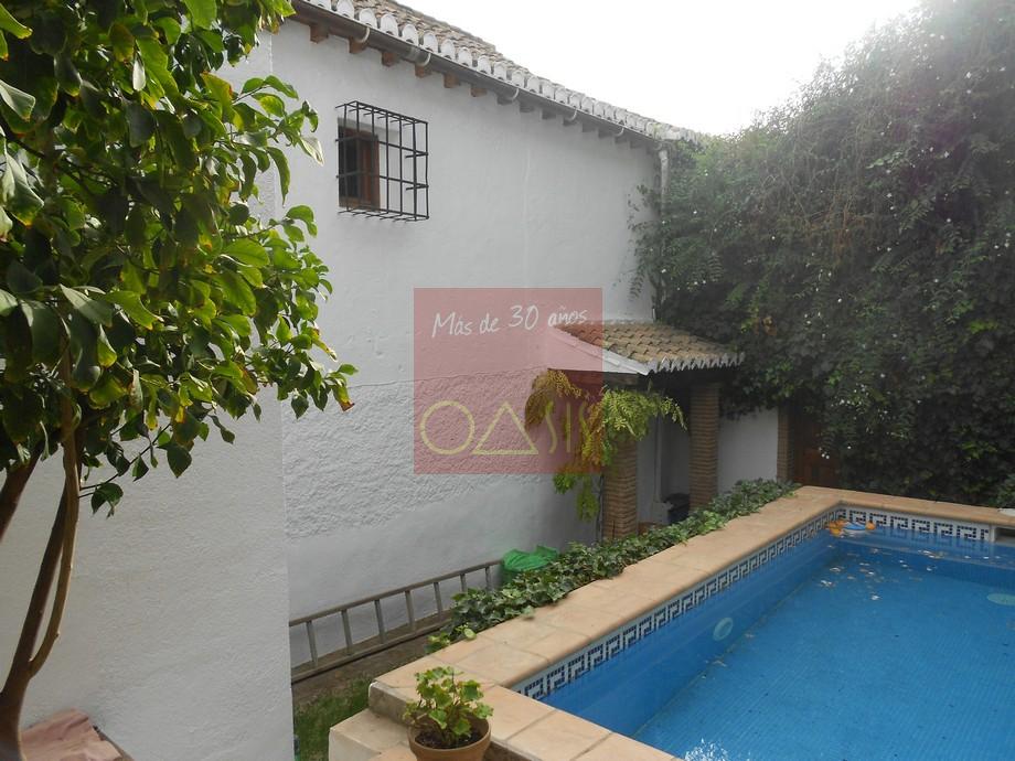 Comprar casas en granada andaluc a casa en venta en for Piscina mondragones granada