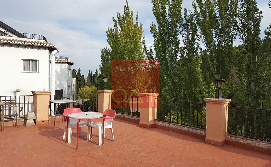 Excellent oportunity for investment near the entrance of the Alhambra - Terrace of the restaurant