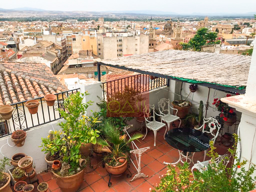 Casa con vistas a Granada y Alhambra - Lovely house with a view of Granada and the Alhambra - Oasis Real Estate
